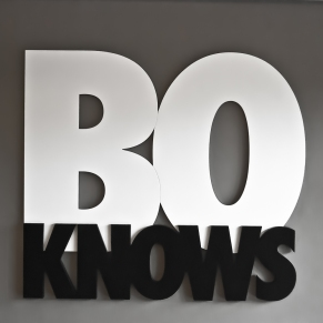 BoKnows